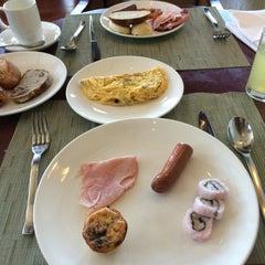 Photo taken at Vintana, Shangri-La's Boracay Resort & Spa by Lavendellady on 4/4/2016