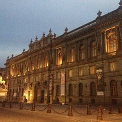 Photo taken at Museo Nacional de Arte (MUNAL) by Gibran M. on 3/20/2013