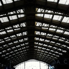 Photo taken at Station Gare Lille-Flandres ⓇⓉ by Hans B. on 11/7/2012