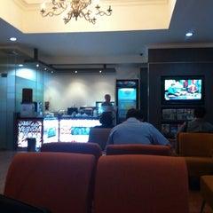 Photo taken at Garuda Indonesia Executive Lounge by Camilo L. on 7/11/2014
