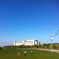 Photo taken at Bilkent Üniversitesi by Merve D. on 4/23/2013