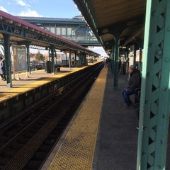 Photo taken at MTA Subway - Junction Blvd (7) by Jorge Y. on 1/5/2015