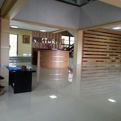 Photo taken at Rektorat Universitas Udayana by chiesy s. on 8/18/2014
