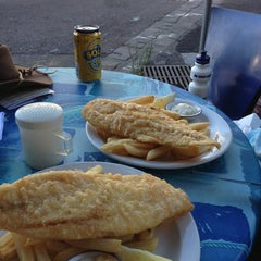 Photo taken at Williamstown Mussels Fish & Chippery by Hans D. on 1/3/2013