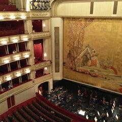 Photo taken at Wiener Staatsoper by Tomoko H. on 9/20/2013