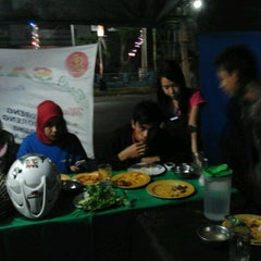 Das Foto wurde bei Lesehan Sandi85 von Kholik A. am 4/25/2012 aufgenommen