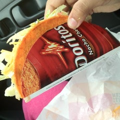 Photo taken at Taco Bell by ⚡Cee Z. on 4/18/2012