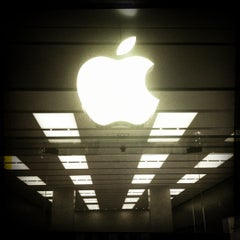 Photo taken at Apple Store, The Americana at Brand by Simon D. on 4/18/2012