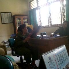 Photo taken at Nasi Uduk Betawi Nya' Onih by Abdul S. on 4/16/2012