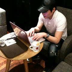 Photo taken at CAFFE PASCUCCI by Giun B. on 3/31/2012