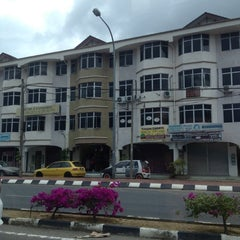 Photo taken at Bangunan Destini UiTM (Faculty Business) by mazudi r. on 3/1/2012
