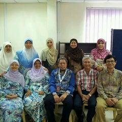 Photo taken at Fakulti Sains Komputer Dan Matematik UiTM by Azizi N. on 9/6/2012