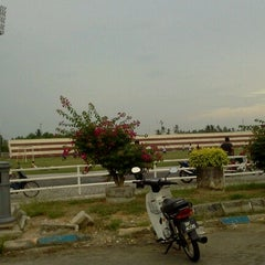 Photo taken at Stadium Sungai Besar by Abu H. on 9/10/2012