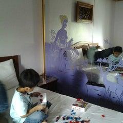 Photo taken at Paramount Palace Hotel Sadao by NAMN83™ on 8/3/2012
