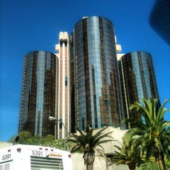 Photo taken at The Westin Bonaventure Hotel & Suites, Los Angeles by Stephen R. on 8/21/2012