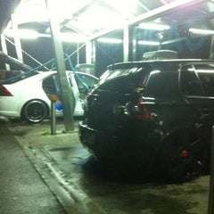 Photo taken at Roose Self CarWash by Simon✌ on 12/2/2011