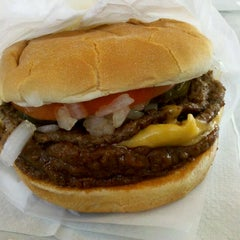 Photo taken at Original Tommy's Hamburgers by Shariff M. on 9/15/2011