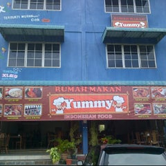 Photo taken at RM Yummy by Marlong O. on 6/7/2012
