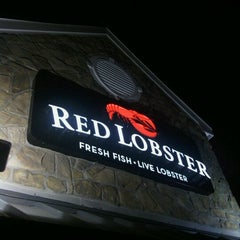 Photo taken at Red Lobster by Steve R. on 9/12/2012
