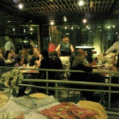 Photo taken at Pizzaria Vero Verde by Ronny S. on 11/7/2011