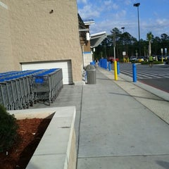 Photo taken at Walmart Supercenter by Ted B. on 11/18/2011