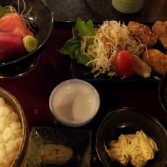 Photo taken at Doraya 定食 by nobu1014 on 12/10/2011