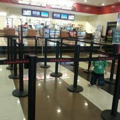 Photo taken at Cinemark by Nathalia R. on 8/22/2012