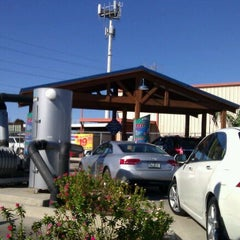 Photo taken at Pelican Pointe Car Wash by Kangol_Kel on 1/2/2012