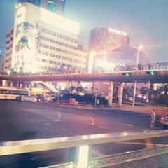 Photo taken at 汇金百货 by Daniel Q. on 5/10/2012
