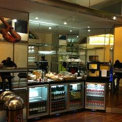 Photo taken at Eurostar Business Premier Lounge by Laurent D. on 8/28/2012