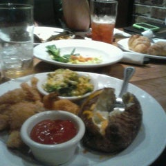 Photo taken at Cheddar's by Meg W. on 1/20/2012