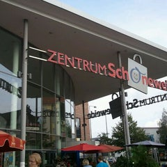 Photo taken at Zentrum Schöneweide by Elly on 10/5/2011