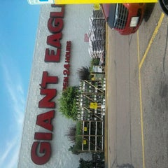 Photo taken at Giant Eagle Supermarket by Michelle K. on 5/30/2012