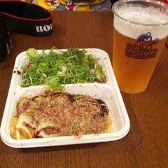 Photo taken at 甲賀流 ユニバーサル・シティウォークTM大阪店 by Kevin S. on 7/12/2012