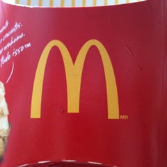 Photo taken at McDonald's by Ulisses M. on 1/9/2012