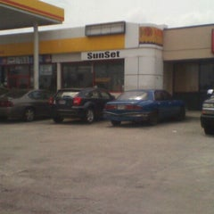 Photo taken at Shell by NoraKing B. on 4/21/2012