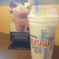 Photo taken at Zaxby's by Samantha P. on 4/22/2012