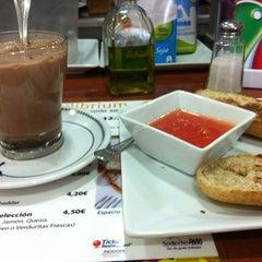 Photo taken at Restaurante Equilibrium by Federico Á. on 3/9/2012
