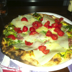 Photo taken at Matilde Pizza Bar by Thalis on 3/30/2012
