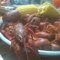 Photo taken at Floyd's Cajun Seafood by Patti on 4/29/2012
