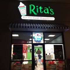 Photo taken at Rita's Water Ice by Lynn D. on 4/21/2012