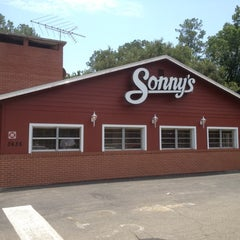 Photo taken at Sonny's BBQ by Jonathan M. on 7/2/2012