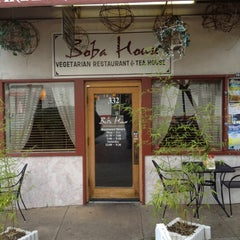 Photo taken at Boba House by Gian U. on 6/4/2012