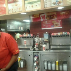 Photo taken at Wendy's by Melodi C. on 12/18/2011
