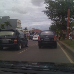 Photo taken at Jalan Raya Alternatif Cibubur (Trans Yogie) by Johny H. on 12/22/2010