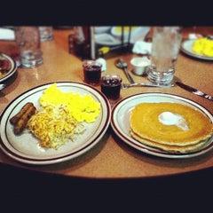Photo taken at Denny's by Eliel Y. on 3/4/2012