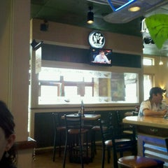 Photo taken at Chili's by Jose Alberto A. on 3/25/2012