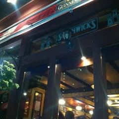 Photo taken at Scruffy Murphy's by Sheldon H. on 5/24/2012