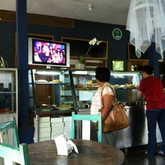 Photo taken at Waroeng Sulawesi by GayAsiaTravel N. on 7/7/2012
