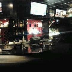 Photo taken at TGI Fridays by Mooney W. on 11/13/2011